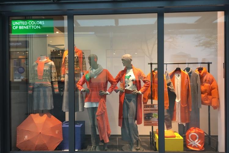 Benetton am Aliceplatz sagt Nein! zu Gewalt an Frauen und Mädchen